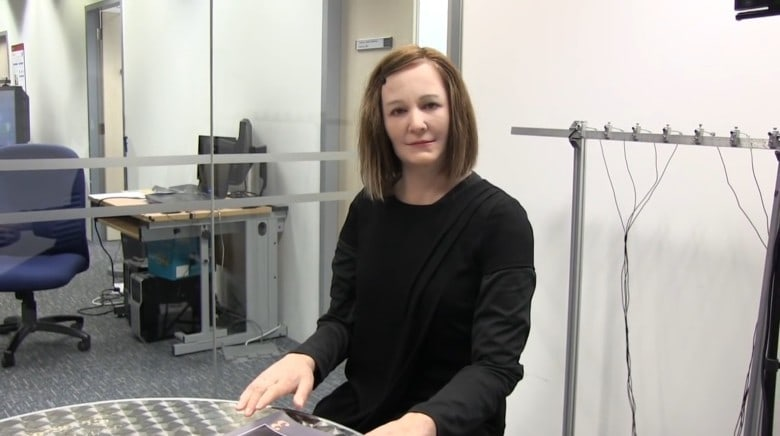 Nadine-robot-assistant