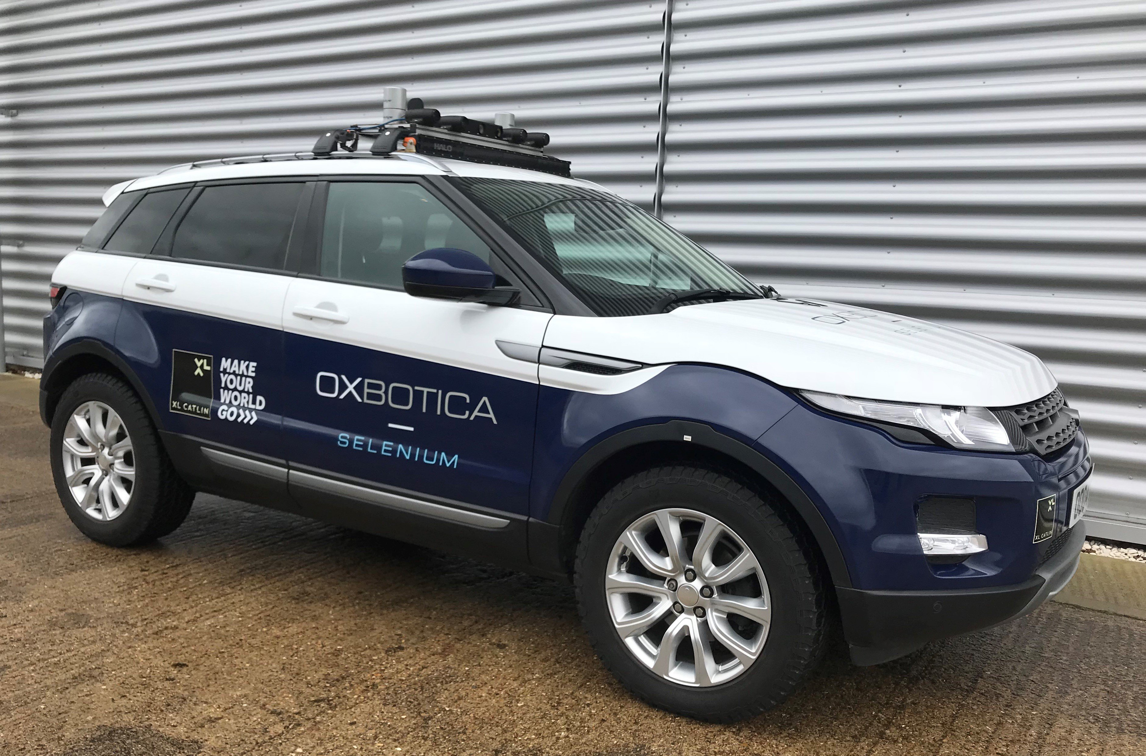 Gatwick Airport and Oxbotica trial driverless cars ...